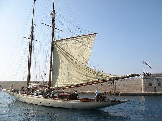 VELE D'EPOCA A CANNES - Vintage sailboats in Cannes - Francia - Europa---VETRINA RB EXPLORE 21 OTTOBRE 2012 --- by Guendalyn