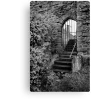Sneak in the back entrance - Kenilworth - Britain Canvas Print