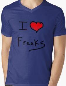 i love freaks Mens V-Neck T-Shirt