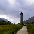 Glenfinnan Monument by mikebov