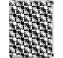 8bit black and white Space Invaders pattern iPad Case/Skin