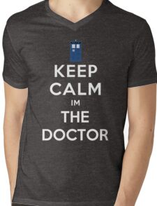 Keep calm im the doctor Mens V-Neck T-Shirt