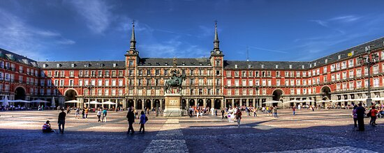 Plaza Mayor by Tom Gomez