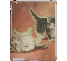 KITTENS PLAYING FALLOUT 4 iPad Case/Skin