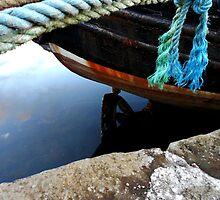 da old boat by Craig  Meheut