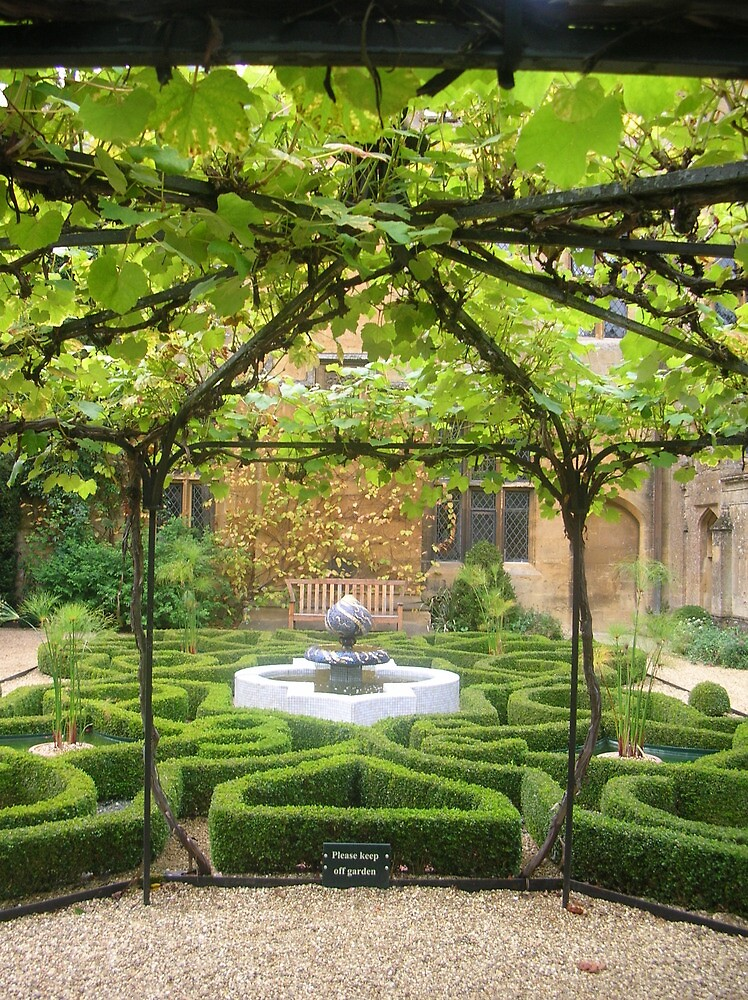 Sudely Castle Knot Garden, The Cotswolds by MiRoImage