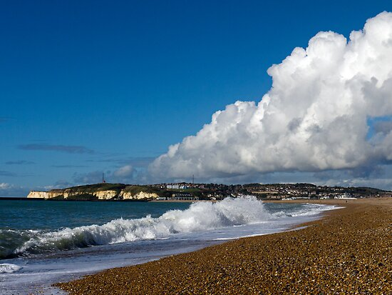 Cloud & Surf at Seaford Bay by mikebov