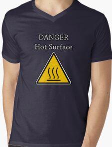Danger I´m HOT Mens V-Neck T-Shirt