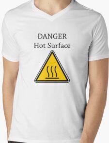 Danger I´m HOT2 Mens V-Neck T-Shirt