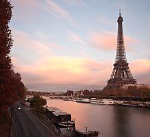 Tour Eiffel - Paris by Julien Tordjman