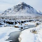 Snowy Buachaille Etive Mor by Linda  Morrison