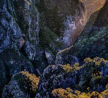 Bungonia Gorge Sunrise by Ian English