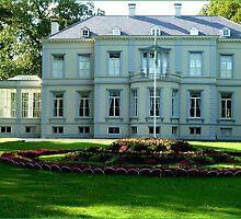 Villa Mattemburgh by Janone