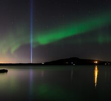 Auroras and the Imagine Peace Tower by Ólafur Már Sigurðsson