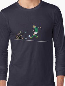 Steven Davis strikes to end seven years of hurt Long Sleeve T-Shirt
