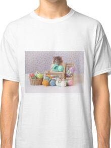 Snoozy wanted to knit ! Classic T-Shirt