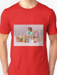 Snoozy wanted to knit ! Unisex T-Shirt