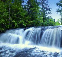 water drops by Heather  Waller-Rivet  IPA