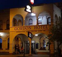 Gordon Hotel at night  by log0008