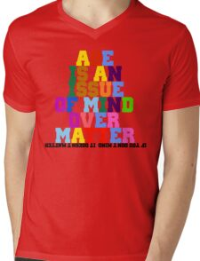 quotees Mens V-Neck T-Shirt