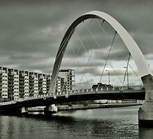 Squinty Bridge Over The Clyde by Doug Cook