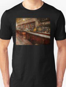 Pharmacy - W.B. Danforth Drugs 1895 Unisex T-Shirt