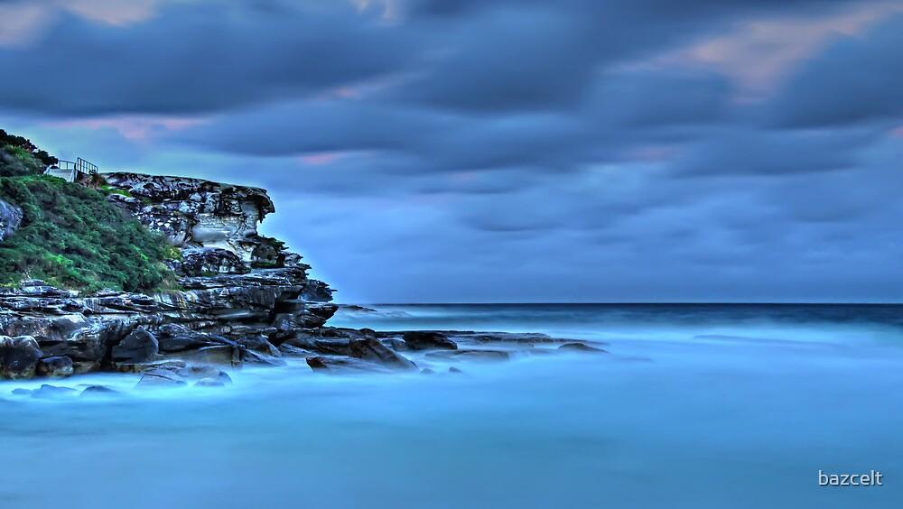Tamarama Cliffs by bazcelt