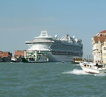 Cruise to Venice by pisarevg