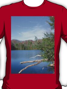 Nice & Relaxing West Virginia Mountain Lake Scene T-Shirt