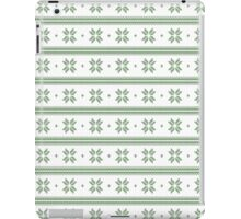 White and green knitted christmas snowflakes seamless pattern iPad Case/Skin
