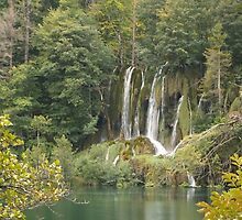 Waterfall on Plitvice Lakes  by pisarevg