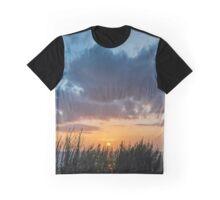 Final Glimpse Graphic T-Shirt
