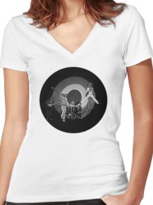 The Hoo Black and White Version (The Kids Owl Alright) Women's Fitted V-Neck T-Shirt