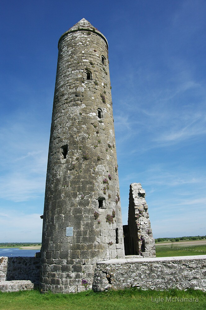 Temple Finghin, Clonmacnoise by Lyle McNamara