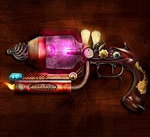 Steampunk - Gun -The neuralizer by Mike  Savad
