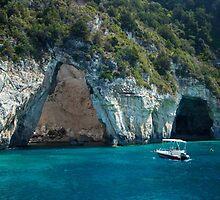 Amphitrite's cave by JuliaRokicka