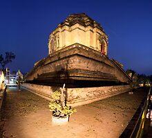 Wat Chedi Luang, Chiang Mai by Kerry Dunstone