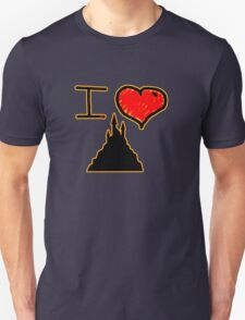 i love halloween castle on dark creepy night T-Shirt