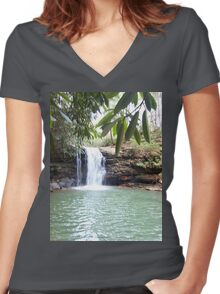 Wilderness Waterfall Women's Fitted V-Neck T-Shirt