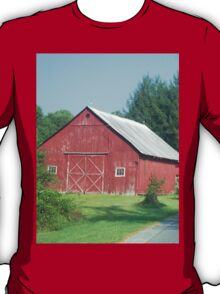 Nice Rustic Red Barn  T-Shirt