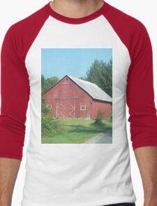 Nice Rustic Red Barn  Men's Baseball ¾ T-Shirt