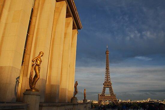 Trocadéro Allure by Peter Kurdulija