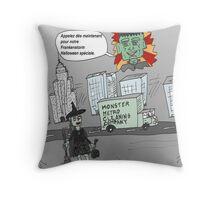 Bande dessinée de nettoyage post-Frankenstorm Throw Pillow