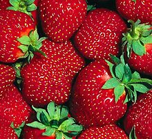 Strawberries by TinaGraphics