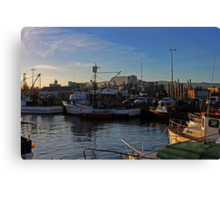 Wollongong Harbour At Dusk Canvas Print