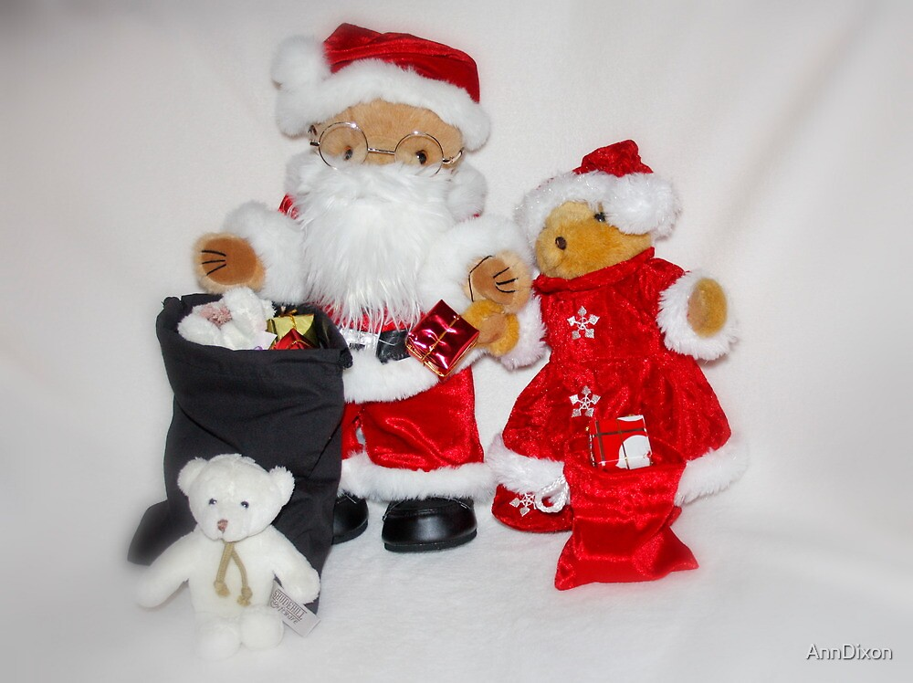 Mr & Mrs Christmas by AnnDixon