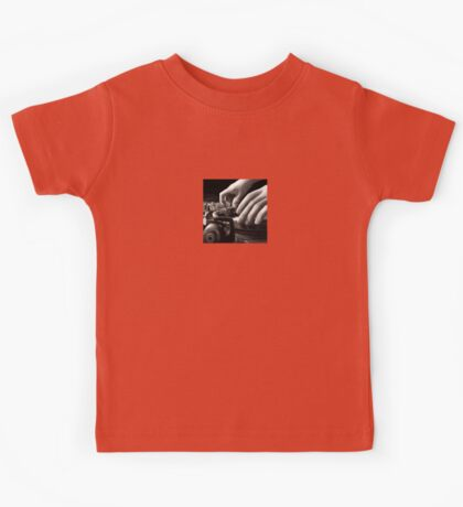 Scratch, Turntable Oil Painting Kids Tee