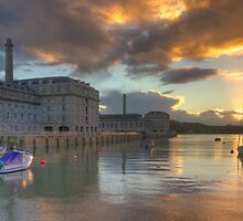 Crepuscular Oppulence by phil hemsley