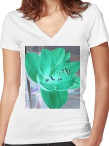 Green Amaryllis Women's Fitted V-Neck T-Shirt