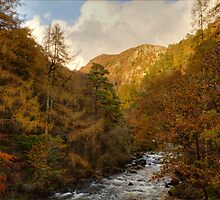 Aberglaslyn Pass by J-images